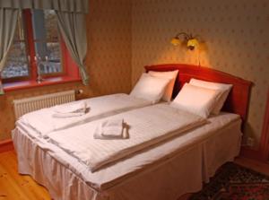 Knusesund Herrgård hotel room